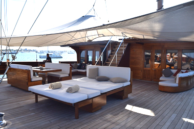 Lamima_Luxury_Exclusive_Sailing_Yacht_Indonesia