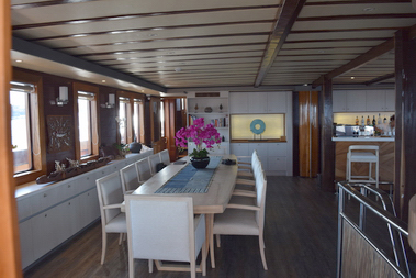 Lamima_Luxury_Exclusive_Sailing_Yacht_Indonesia""