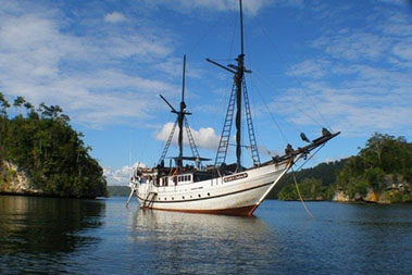 ondina_liveaboard_diving_in_raja_ampat