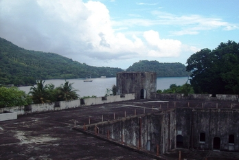Old_Dutch_Fort_in_Bandeneira_Spice_Islands