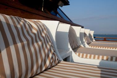top_deck_daybead_area_for_spa_treatments_at_samata_liveaboard