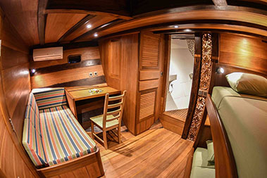oceanic_liveaboard_guest_cabin