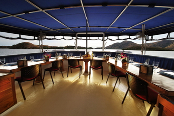philippines_siren_outdoor_dining_area