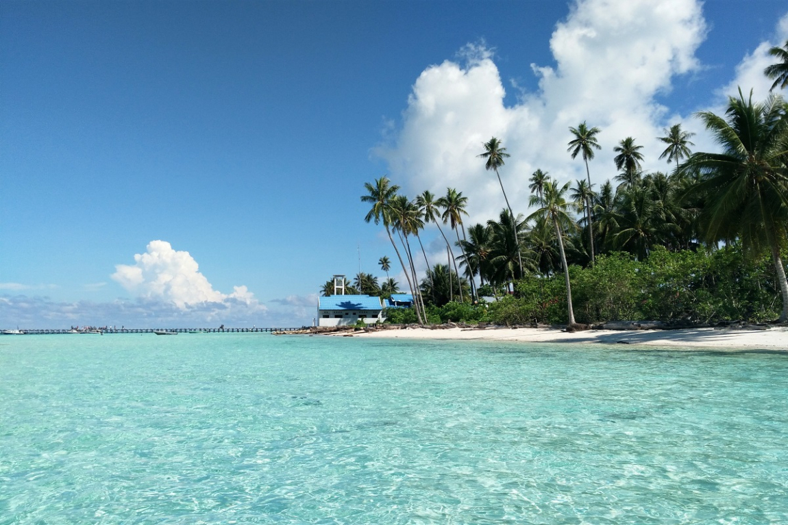 Sangaliki, Maratua, Kakaban, Nabucco are some of the picturesche islands of Derawan Island Group