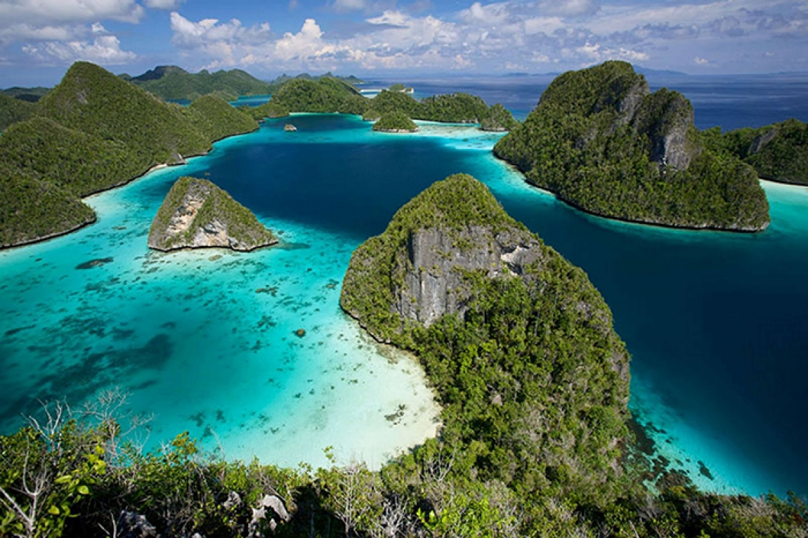 Raja Ampat Islands © Barbara Targa for Cruising Indonesia