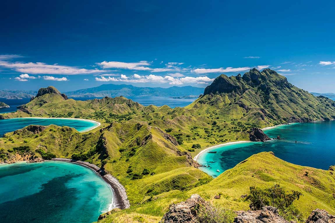 Komodo Liveaboard by Cruising Indonesia
